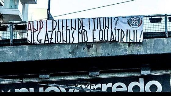 """Bari, manifesti di CasaPound contro l'Anpi: """"Ora basta, rispondano in tribunale"""""""