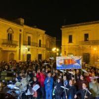 """Salvini in Salento per le regionali. Le Sardine in piazza per contrastarlo: """"Noi armati..."""