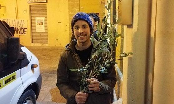 """Salvini in Salento per le regionali. Le Sardine in piazza per contrastarlo: """"Noi armati con ramoscelli d'ulivo"""""""