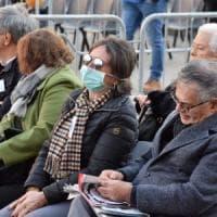 Il Papa a Bari, folla di fedeli sul corso senza la psicosi Coronavirus: