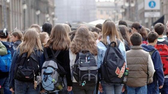 Coronavirus, nelle scuole in Puglia arriva l'ordine ai presidi: stop immediato a viaggi di istruzione