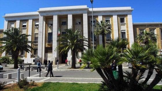 """Coronavirus, sospesi i tirocini di Medicina a Bari. Gli studenti: """"Spiegateci il perché"""""""