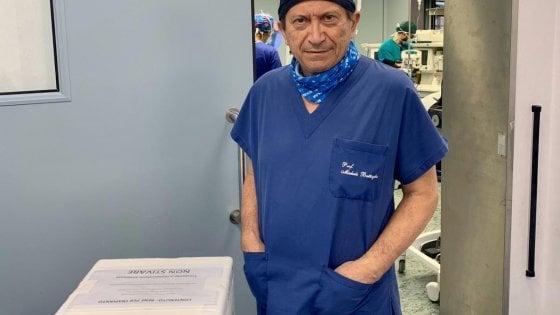 Riceve un rene da Palermo e la moglie dona il proprio a un paziente di Torino: il trapianto incrociato a Bari