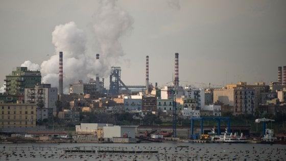"""Taranto, l'ultimatum del sindaco: """"Stop alle emissioni anomale entro 30 giorni o chiudo ArcelorMittal"""""""