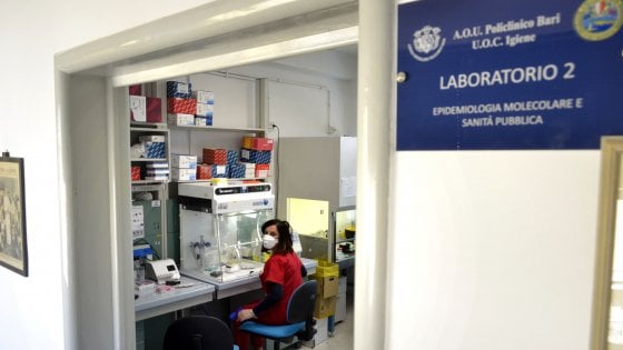 """Coronavirus, in Puglia contagiati anche due parenti del paziente 1. Era rientrato con un aereo. """"Sono il più odiato"""""""