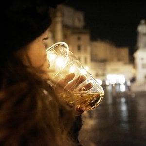 Foggia, finisce in ospedale la serata alcolica di una 14enne: sfiorato il coma etilico