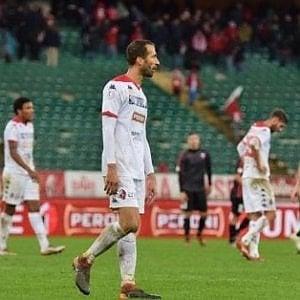 Il Bari passa con l'Avellino. tre punti per sperare ancora