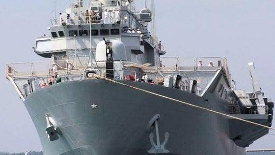Coronavirus, sottoufficiale contagiato: in quarantena intero equipaggio della nave San Giusto della Marina