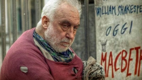 Bari, il senzatetto trovato morto nell'ex Rossani era un attore di strada e tra i fondatori del teatro Kismet