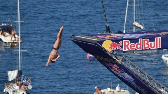 """Red Bull cliff diving, rinviato lo show dei tuffi a Polignano: """"Slitta al 2021 per l'emergenza Coronavirus"""""""