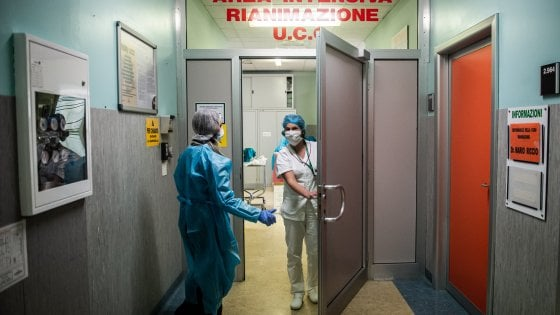 Coronavirus, gli avvocati di Bari contro società che