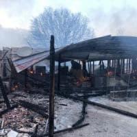 Bari, incendiato all'alba il Ranch di Bitritto: locale e cucine distrutti dalle fiamme
