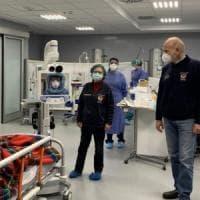 """Coronavirus, al Policlinico di Bari 2 robot visitano i pazienti in isolamento: """"I medici..."""