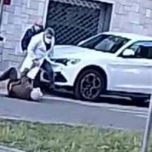 Arrestato il medico che ha picchiato l