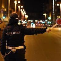 Coronavirus, i vigili interrompono festa di compleanno: sei 20enni denunciati a Bari