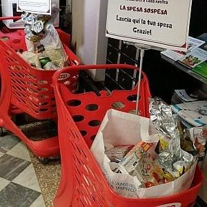 """Coronavirus, a Bari finto volontario ruba spesa solidale. L'associazione Seconda mamma: """"Ignobile"""""""