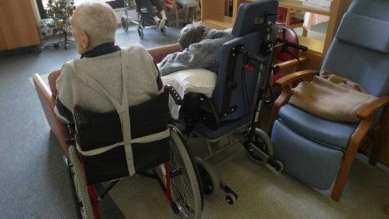 """Coronavirus, 13 contagi accertati in residenza per anziani a Bari: """"Ma potrebbero essere molti di più"""""""