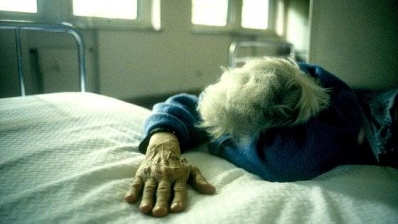 Coronavirus, morta 83enne a Foggia: tamponi a tappeto nella residenza sanitaria in cui viveva
