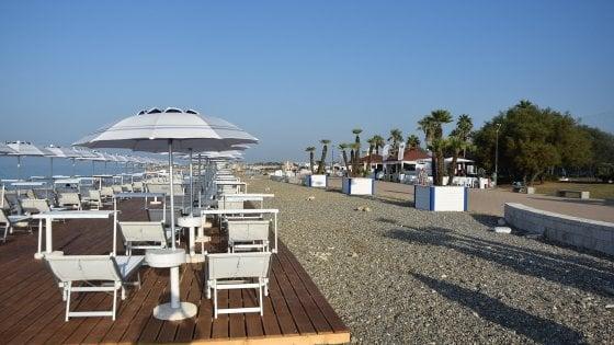 Coronavirus, a Bari al via la mappatura delle spiagge libere: il Comune pensa a volontari sentinella