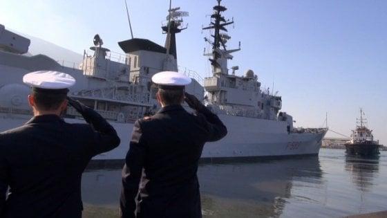 Contrabbando di sigarette e Cialis a bordo della nave della Marina: 6 militari arrestati