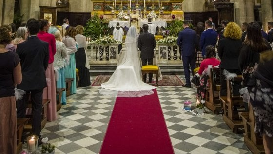 """""""Un bonus per chi si sposa"""": così la Puglia vuole convincere gli sposi a non rimandare i matrimoni"""
