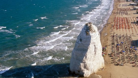 Fase 2, in Puglia spiagge aperte dal 25 maggio: è pronto solo un lido su 10