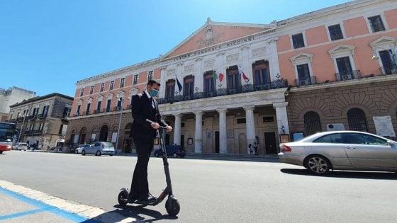 Bari, 1.500 monopattini elettrici e segway a noleggio: Decaro è pronto per il bando di gara