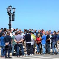 """Fase 2, gli ambulanti protestano a Bari: """"Date regole chiare"""". Ma saltano distanze e mascherine"""