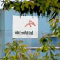 Taranto, ispezione dei commissari dell'Ilva nello stabilimento ArcelorMittal.
