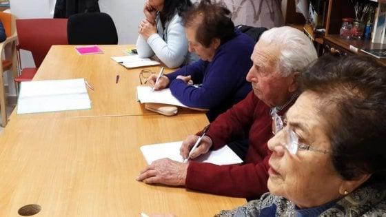 Scuola, esami di terza media per tre ottantenni a Gioia del Colle: si sono preparati anche su Zoom
