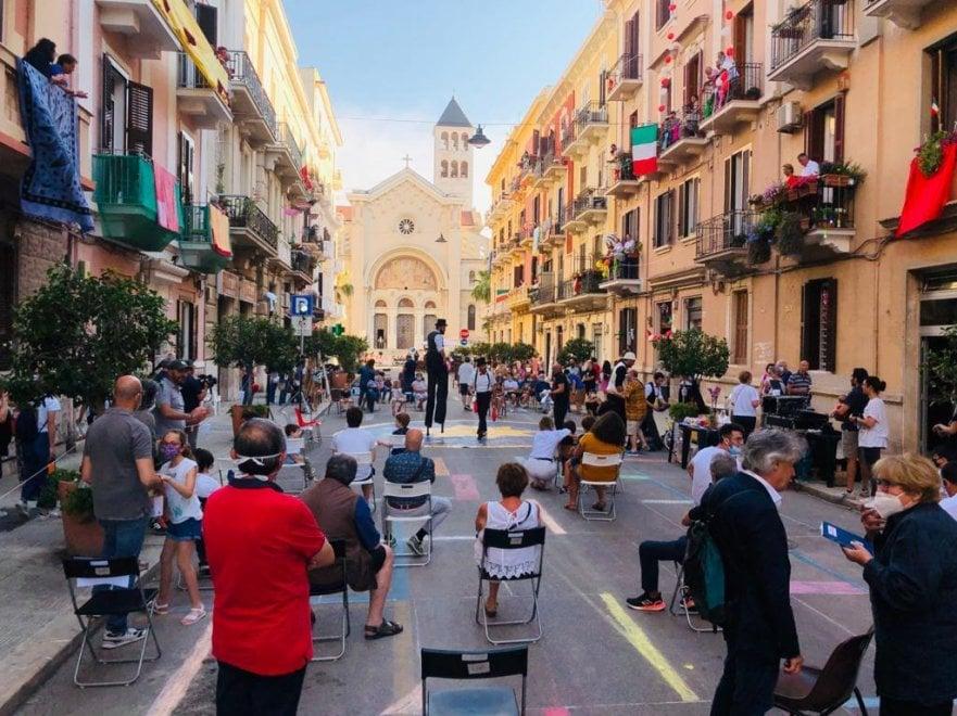 'Piazze verticali', a Madonnella la grande festa in strada di commercianti e residenti