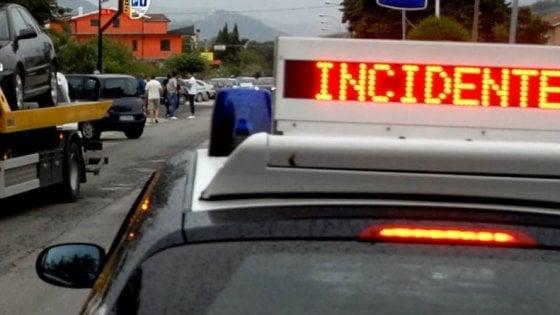 Bari, 24enne ucciso da suocera in finto incidente per intascare assicurazione: in 3 condannati a 30 anni