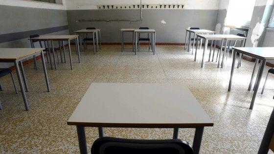 Scuola, è ufficiale: in Puglia apertura slitta al 24 settembre. Ecco il calendario completo