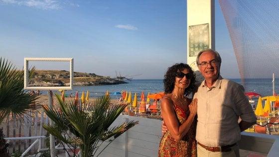 """""""Stessa spiaggia, stesso mare. Anche dopo il Covid"""", la famiglia Ferrari di Bergamo in vacanza a Vieste da 34 anni"""