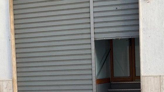 Call center per Tim a 4 euro all'ora dietro una saracinesca: la denuncia della Slc Cgil
