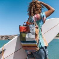 Zaini e borse con materiali di scarto del surf: dal Gargano la linea mare (con birra in omaggio)