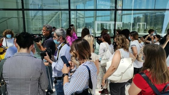 In Puglia asse Meloni-Fitto contro le donne in Regione: 2mila emendamenti per fermare la doppia preferenza