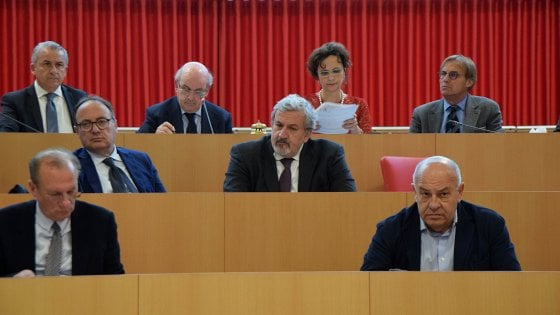 Donne, il consiglio regionale pugliese affossa la doppia preferenza. Ora dovrà intervenire il governo