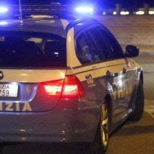 Simula malore e violenta 95enne che lo aveva accolto in casa: nel Tarantino arrestato un 33enne