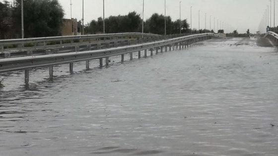 Temporale e allagamenti nel Foggiano: ferrovia e autostrada bloccate per ore