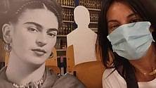 Le sagome di Frida & C. distanziano gli studenti