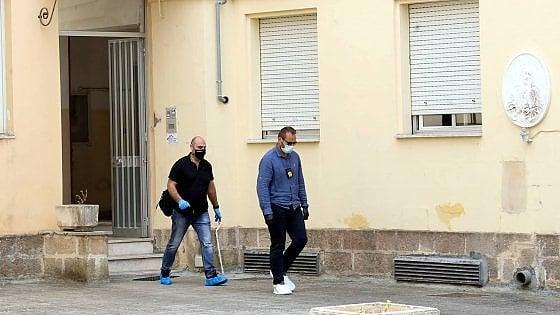 Omicidio fidanzati Lecce |  il nome dell' assassino forse nei cellulari delle vittime |  avevano un appuntamento