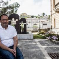 """Mimmo Lucano: """"Sono fuorilegge perché lo Stato si è comportato in maniera vile con me. Ma..."""