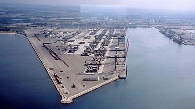 Taranto sulla Via della Seta. Il porto in mani cinesi. Ma è allarme sicurezza