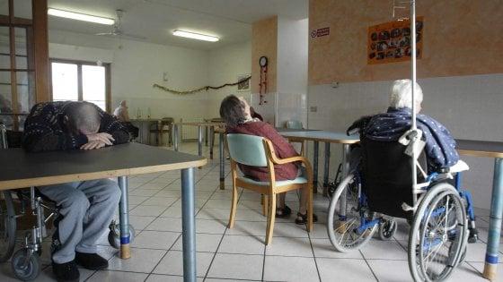 141033626 f33fae29 6bfd 436e 9361 db1adf683477 - Coronavirus, il bollettino di oggi 16 ottobre: 10.010 casi e 55 morti