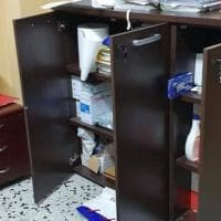 Vandali in azione negli uffici comunali di Gravina: