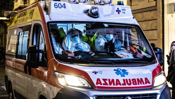 Covid, infermiere in quarantena si uccide a Lecce