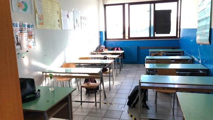 Scuola, Lopalco: