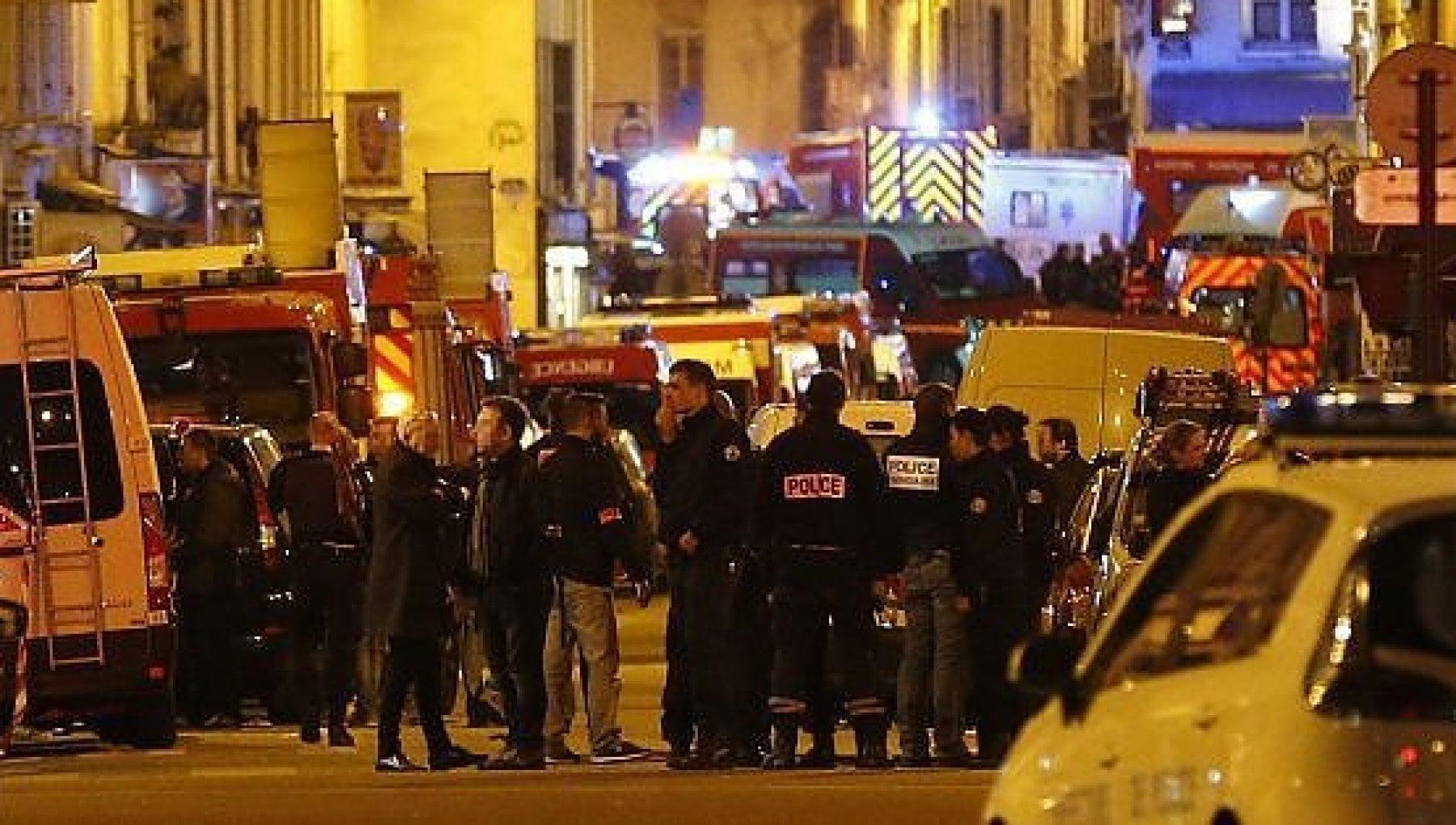 074319019 86d299df e097 4a3f be7b 74b83b365d25 - Isis, fermato a Bari 36enne algerino: è accusato di aver partecipato alla strage del Bataclan