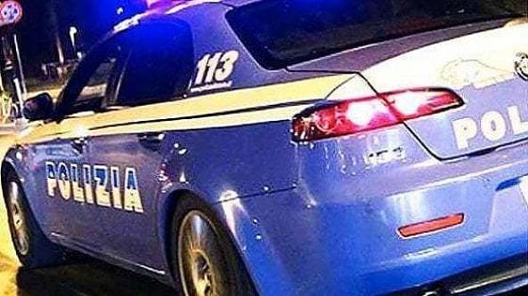 Taranto, incatena nipote 25enne e tenta di darle fuoco: arrestato